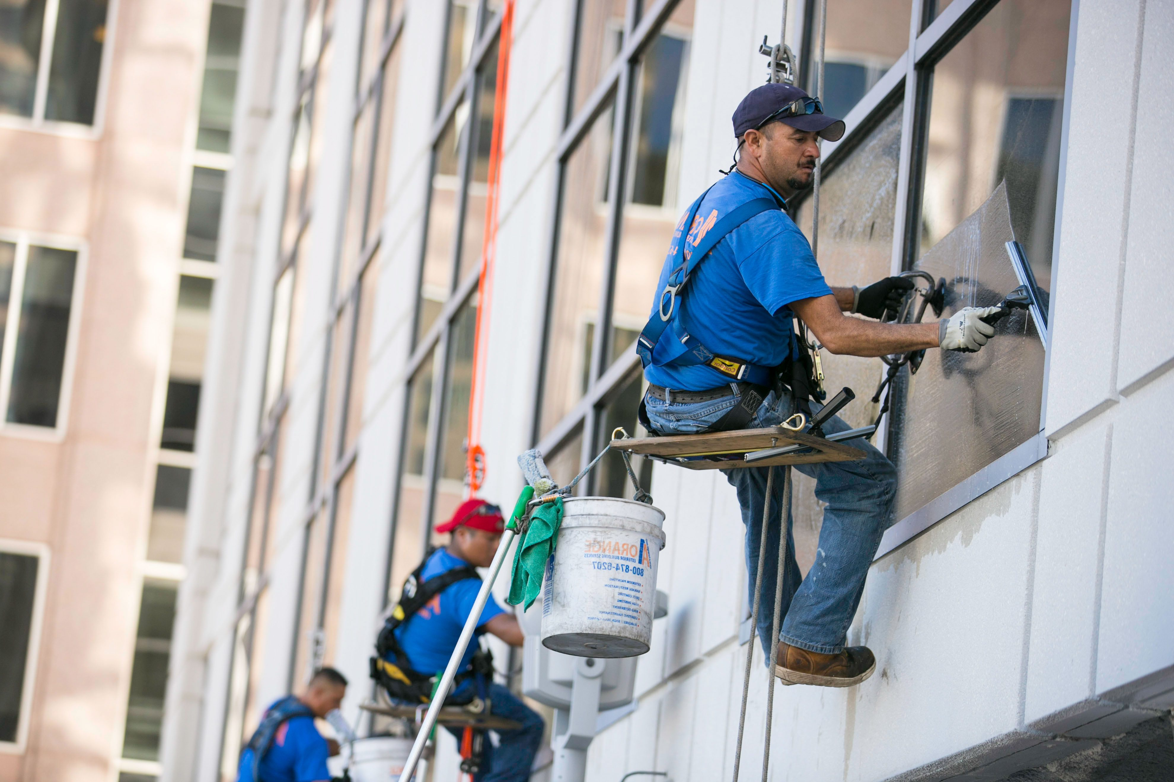 A1 orange building services for central florida commercial industrial residential properties for Commercial exterior cleaning services